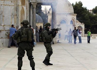 اقتحام قوات الاحتلال الاسرائيلى للمسجد الأقصى