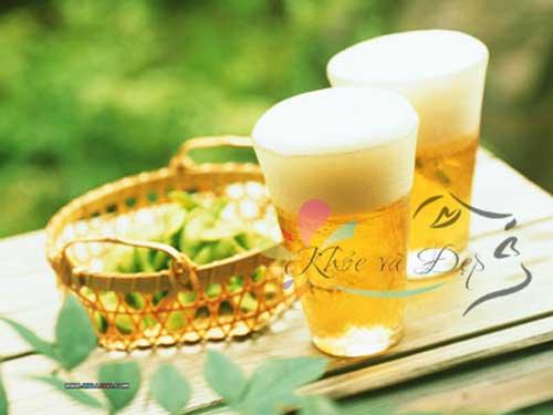 Dùng bia để làm mặt nạ dưỡng da
