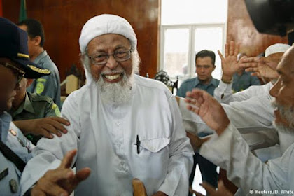 Habis Debat, Bebaslah Ustad