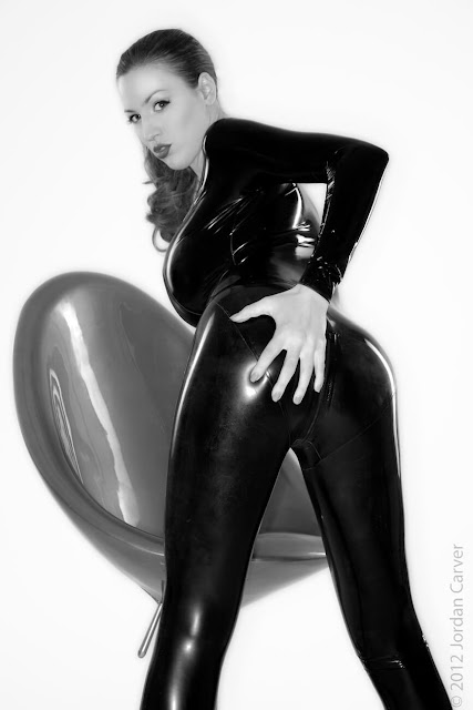 Jordan-Carver-Sandine-Hot-Photoshoot-in-Catsuit-35631