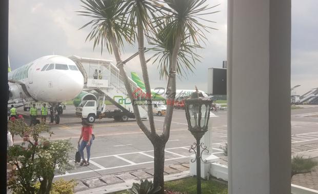 Pesawat Citilink di bandara Adi Sucipto Yogyakarta