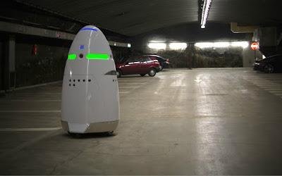 這個蛋型機器人,是Uber的停車場保全