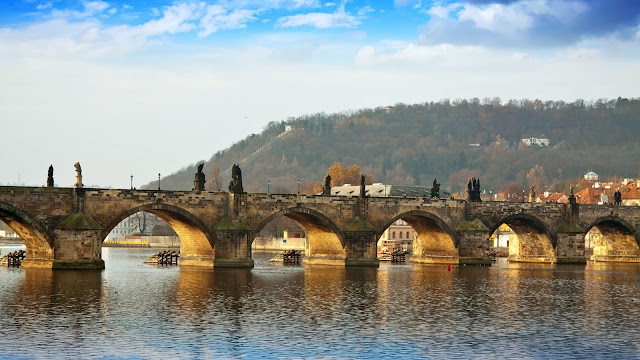 The Charles Bridge di Praha, Republik Ceko