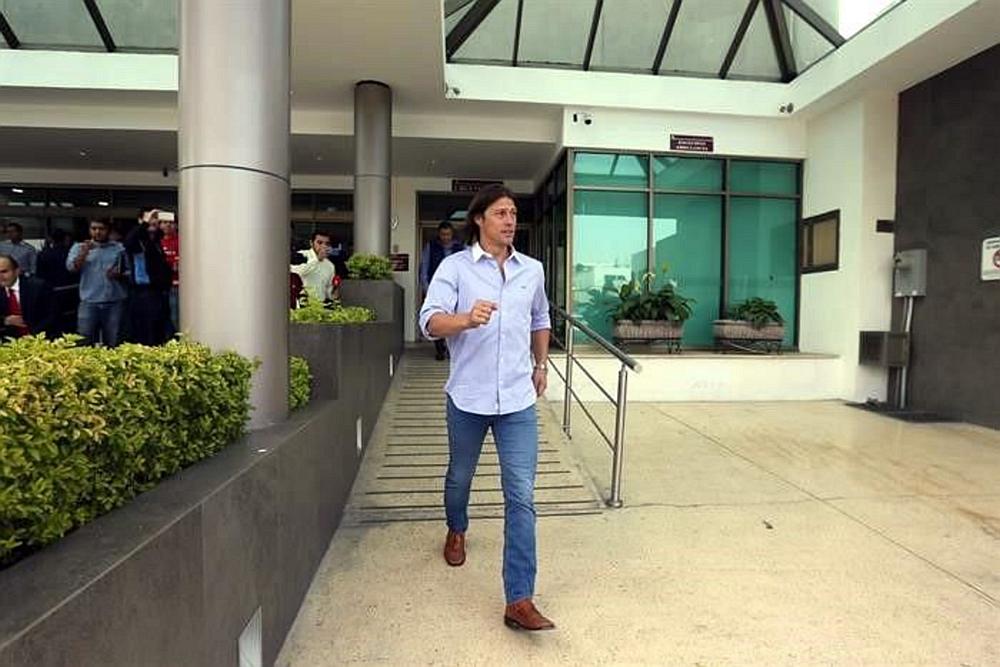 Matías Almeyda, habló con Brizuela antes de la cirugía, lo que le dio ánimo al jugador.