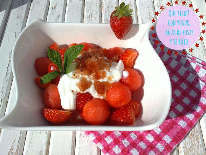 Fresas y sandia con yogur y escarcha de te rojo
