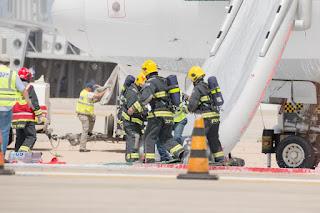Israel simula acidente de avião no aeroporto Ben Gurion para treinamento de salvamento