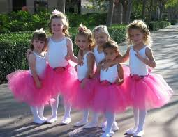 ballet girls in pink tutus
