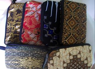souvenir sarung hp murah,souvenir sarung hp,souvenir sarung hp batik,souvenir pernikahan sarung hp.