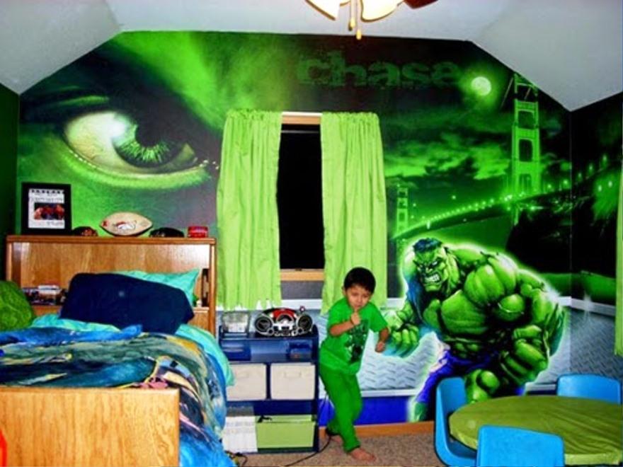 Dekorasi Kamar Anak Laki-Laki Dengan Wallpaper Dinding Tema Super Hero Hulk