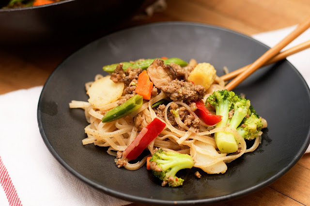 A plate of the Easy Beef Chow Fun.