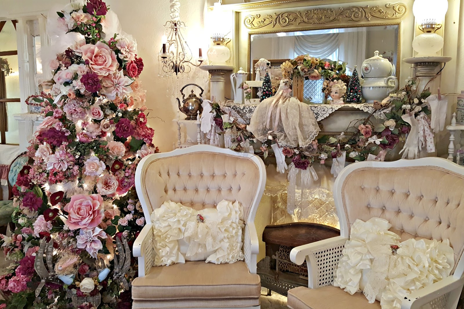Penny 39 S Vintage Home Christmas In The Formal Living