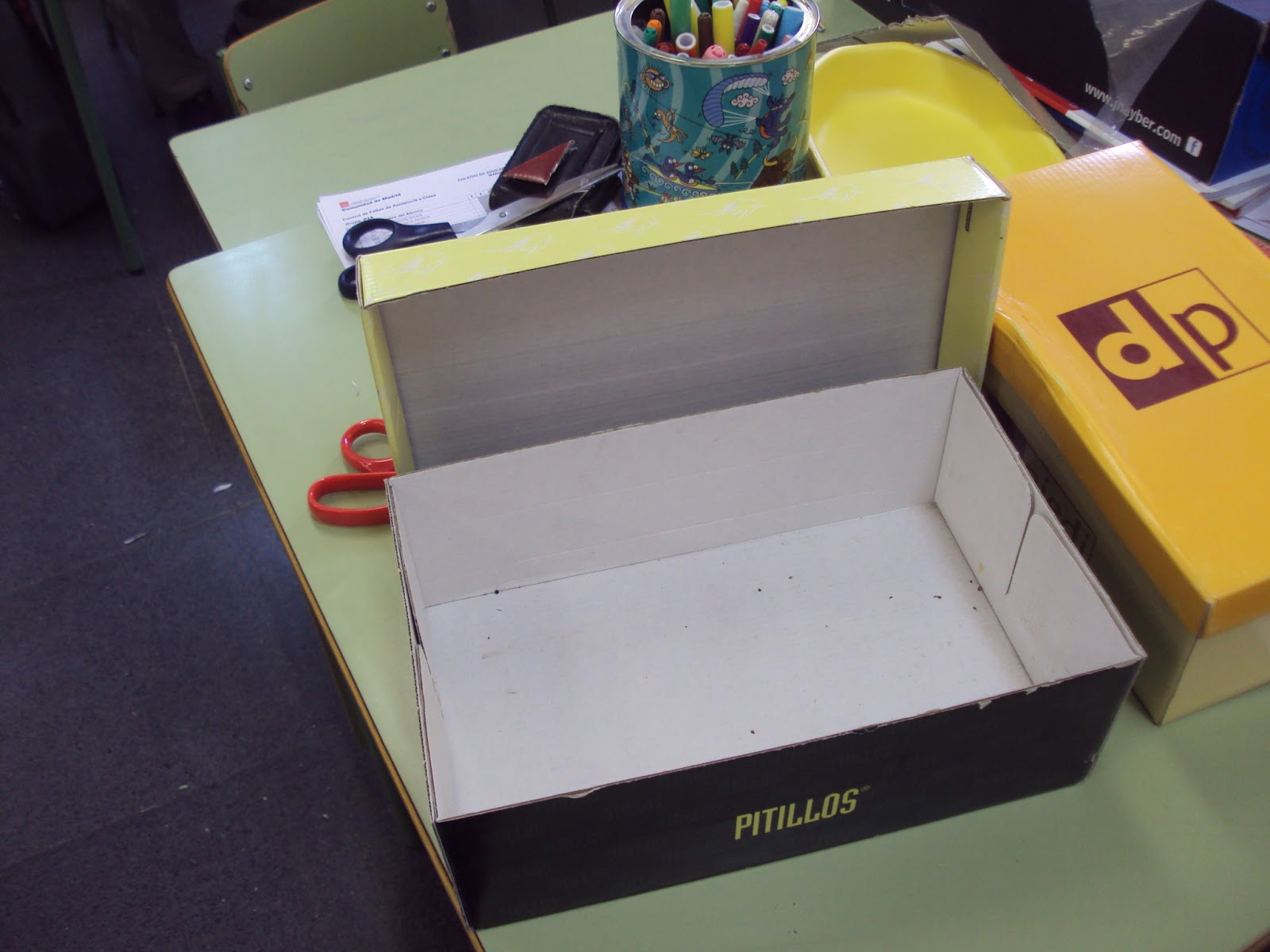 fotos La caja de zapatos