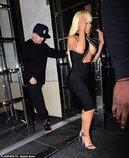 See How Blac Chyna Held Her Boobs from Popping Out During Date with Lover, Rob (Photos)