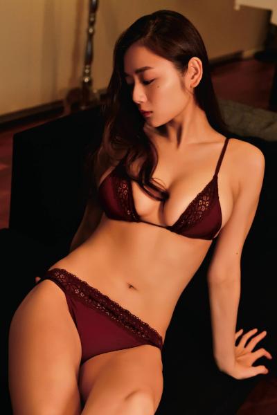 Moemi Katayama 片山萌美, Weekly SPA! 2019.11.05-12 (週刊SPA! 2019年11月5-12日号)