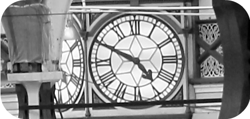Die alte Bahnhofsuhr... 16 Uhr 50 ab Paddington. Murder She Said | Arthurs Tochter kocht von Astrid Paul