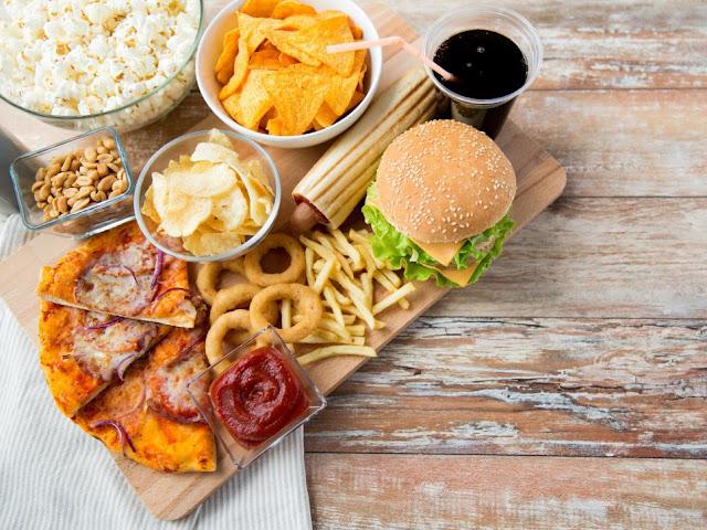 6 alimentos que causam inflamação