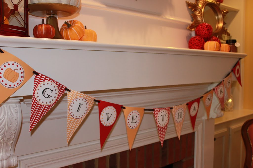 Free Printable Give Thanks Banner - Mirabelle Creations