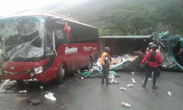 Accidente en la GMA dejó un muerto y 19 heridos