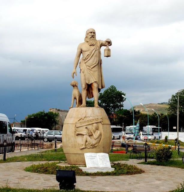Να απομακρυνθεί το άγαλμα του Διογένη από τη Σινώπη του Πόντου ζητούν ακραίοι Τούρκοι