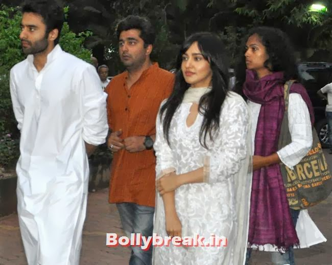 Jackie Bhagnani and Neha Sharma, Celebs at Farooq Sheikh Prayer Meet
