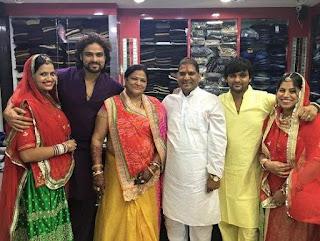 Foto Keluarga Arpit Ranka