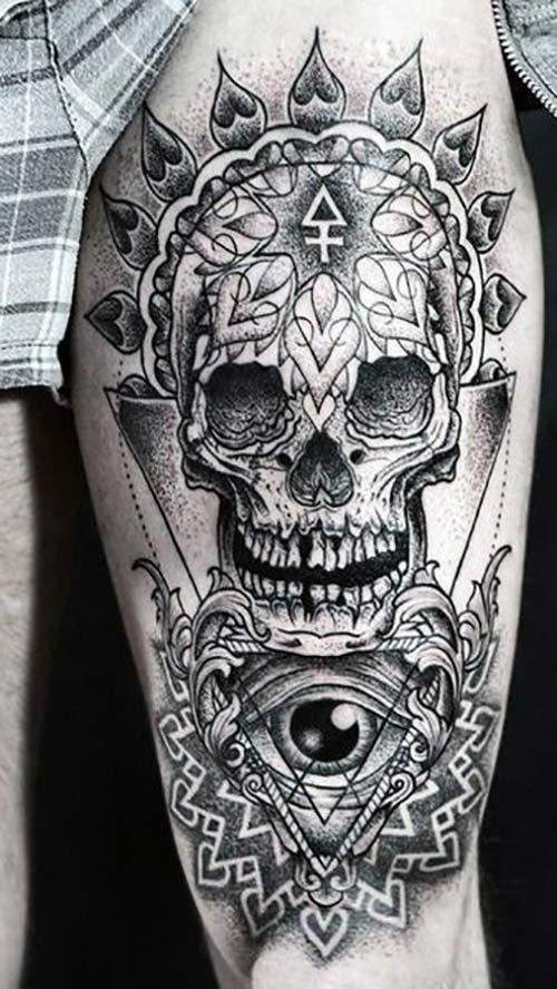 erkek üst bacak dövme modelleri man thigh tattoos 43