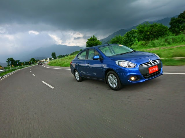 Renault Scala Front Road View Image