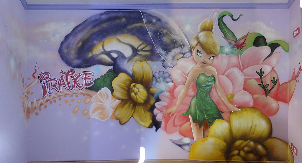 mural infantil de campanilla para nia