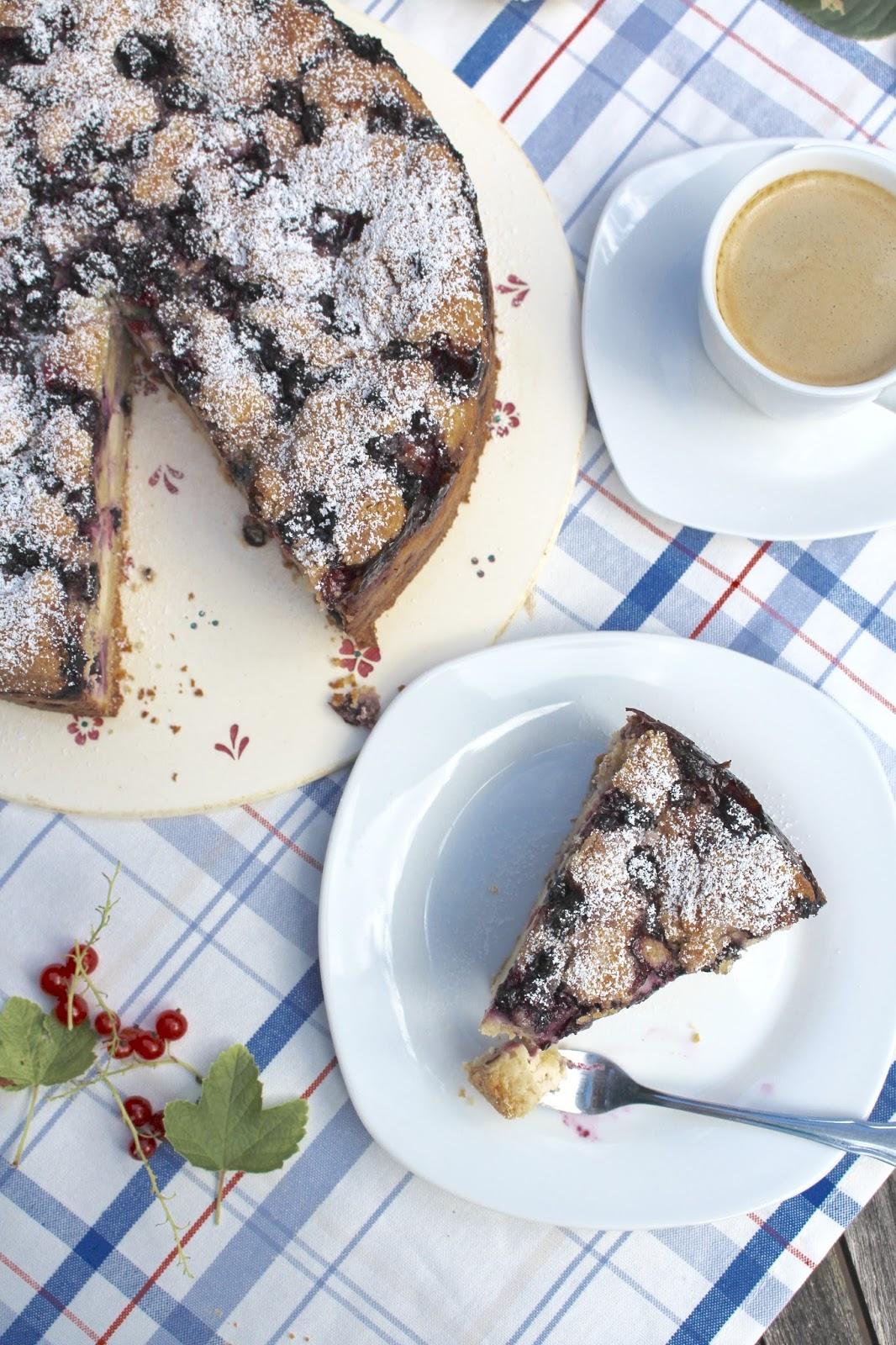 Blaubeer Streuselkuchen mit Schmand