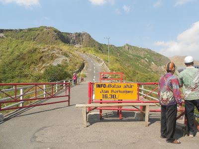 gerbang menuju gunung kelud