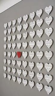 http://manualidadesdehogar.com/decorar-paredes-para-san-valentin/