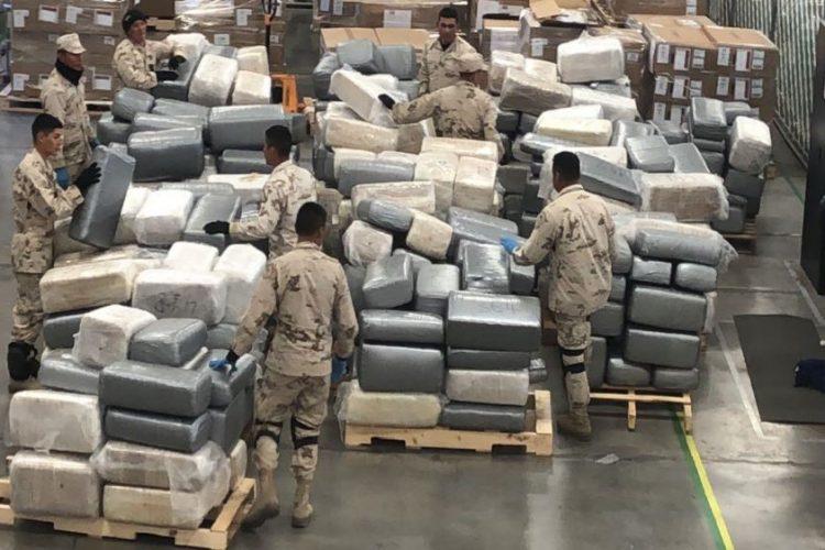 Decomisan 4 toneladas de marihuana en una bodega de Nogales, Sonora
