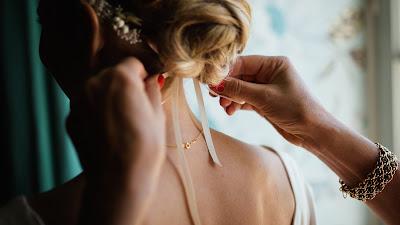 Peinado de novia con tocado