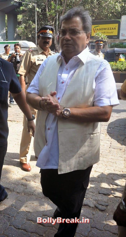 Subhash Ghai, Celebs Visit Ravi Chopra's Funeral