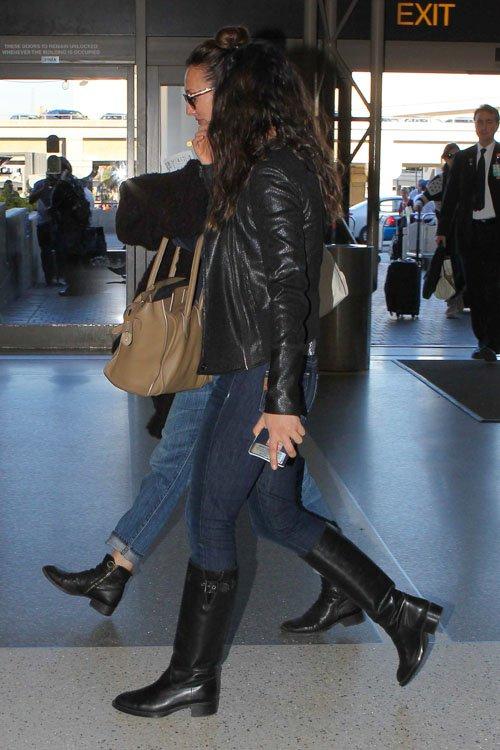 Gossip Journal Mila Kunis At Lax