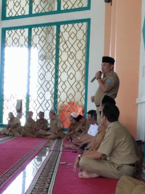 Bupati Wajibkan PNS Sholat Di Masjid An nur