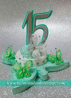 Centro de Mesa para 15 años con mariposas verde menta