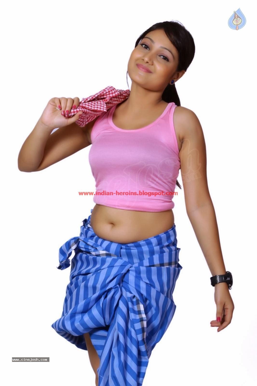 Telugu Tv Actress Priyanka Hot Navel And Boobs Showing -1674