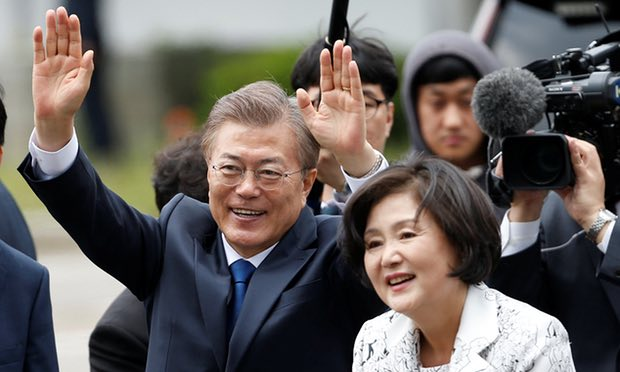 New South Korea leader Moon Jae-in willing to meet Kim in North