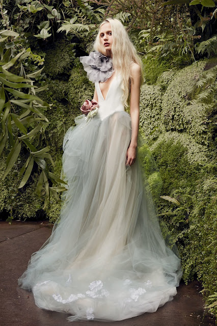 WEDDING GOWN GLAMOUR: VERA WANG