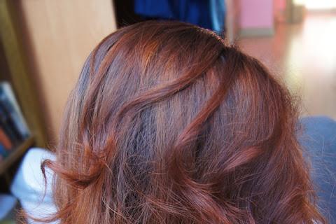 Powrót do naturalnego koloru włosów Dominiki - czytaj dalej »