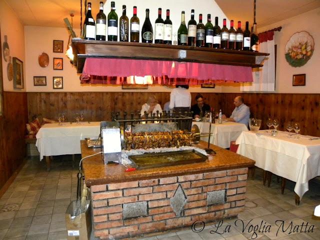 """camino per la cucina allo spiedo Ristorante """"Da Tullio"""" ad Arfanta"""
