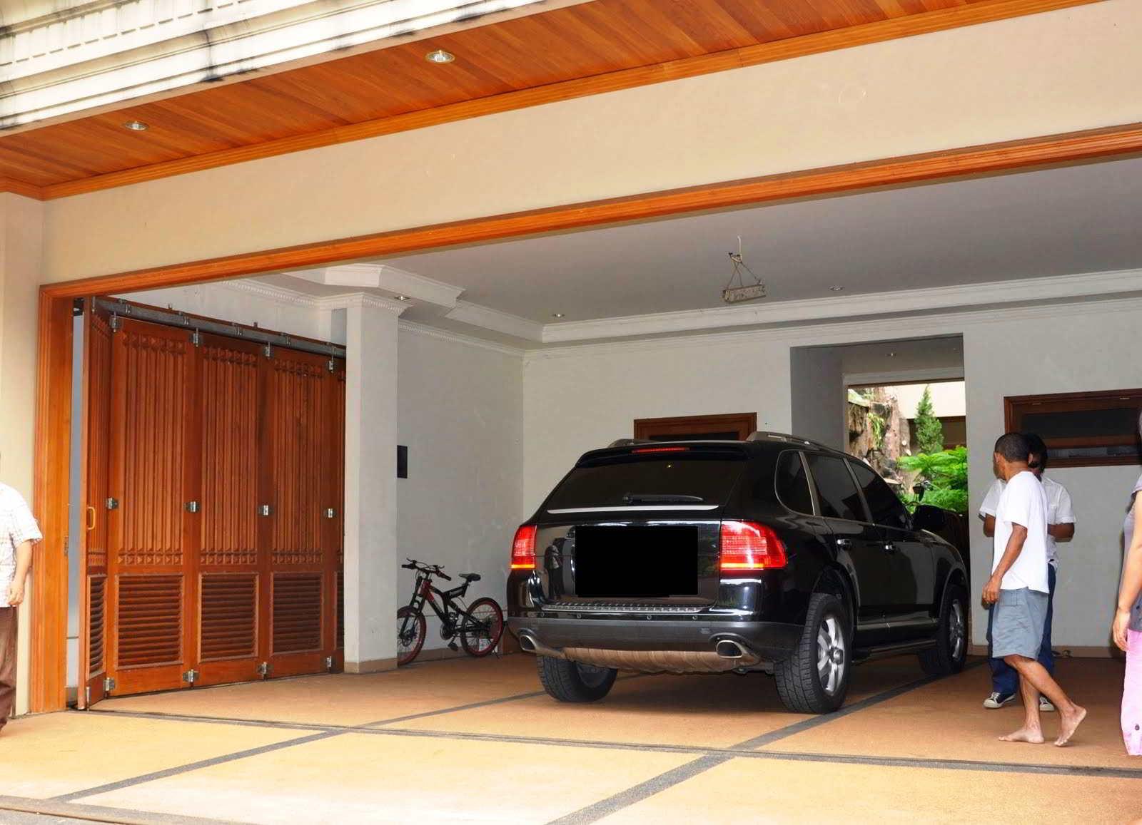 50 model  harga pintu garasi minimalis terbaru lipat  sliding