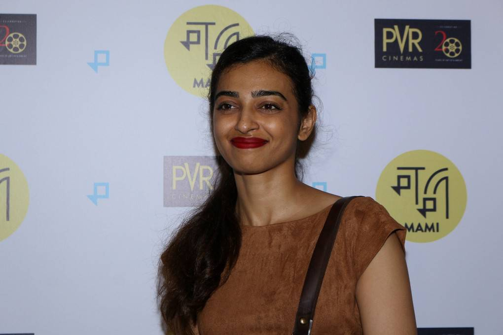 Hindi Girl Without Makeup Radhika Apte Stills At Special Screening Film