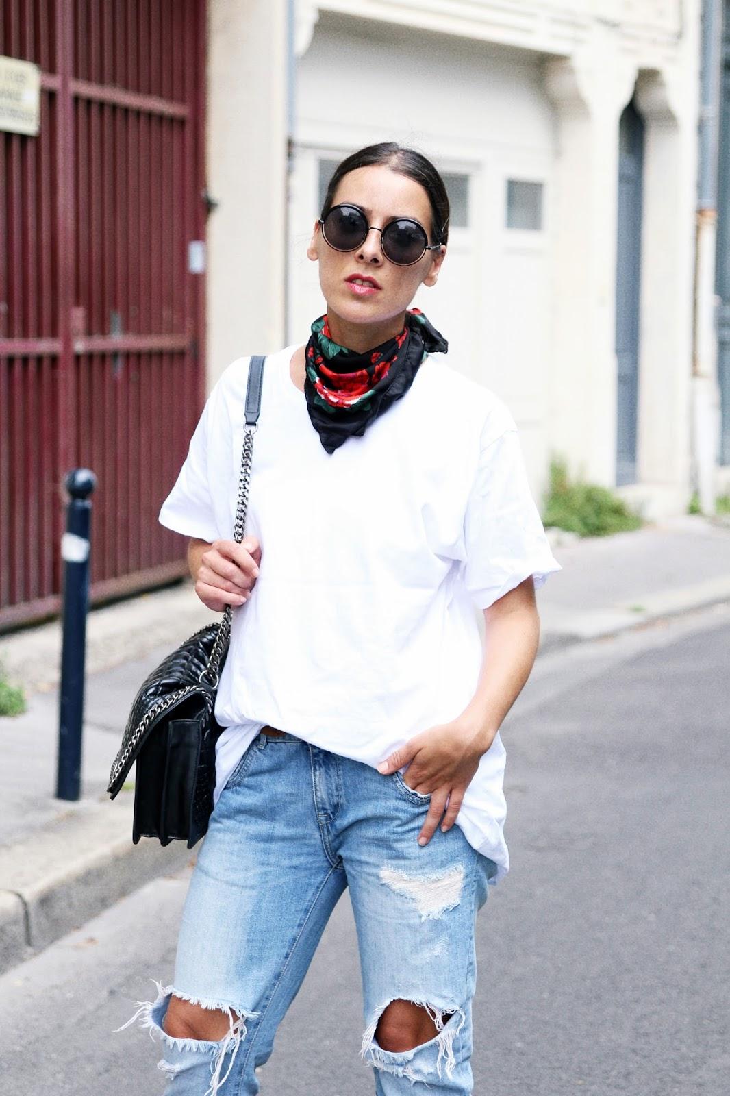 idée-de-look-foulard-denim-chaussures rouge