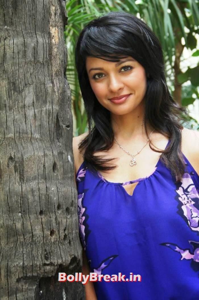 Telugu Actress Pooja Kumar, Pooja Kumar Latest hot photoshoot images in dress without sleeves