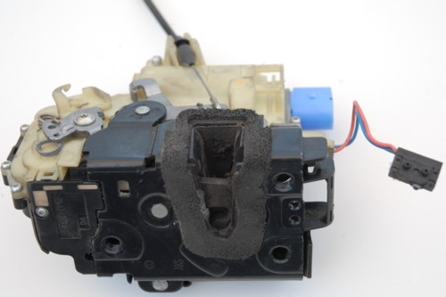 VW POLO: DOOR LOCK PROBLEM ON POLO 9N