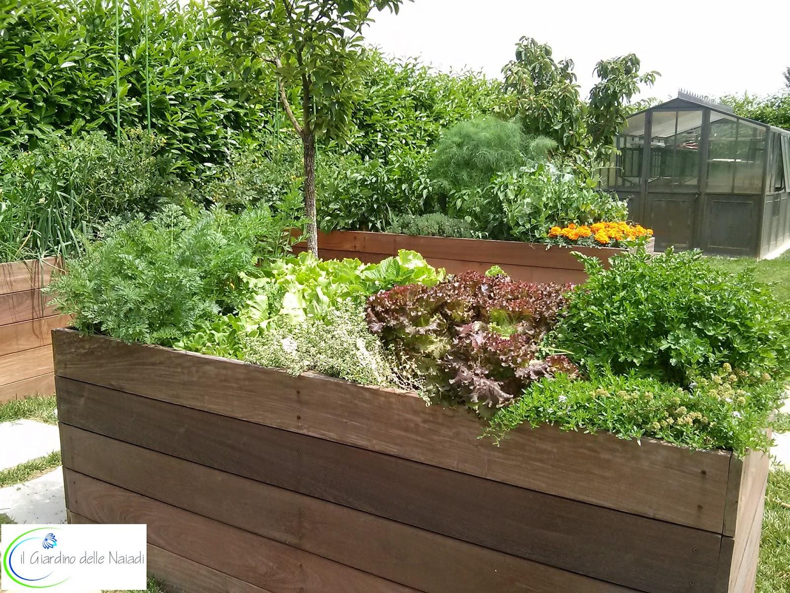 Il giardino delle naiadi un orto rialzato benessere a for Bordi per aiuole fai da te