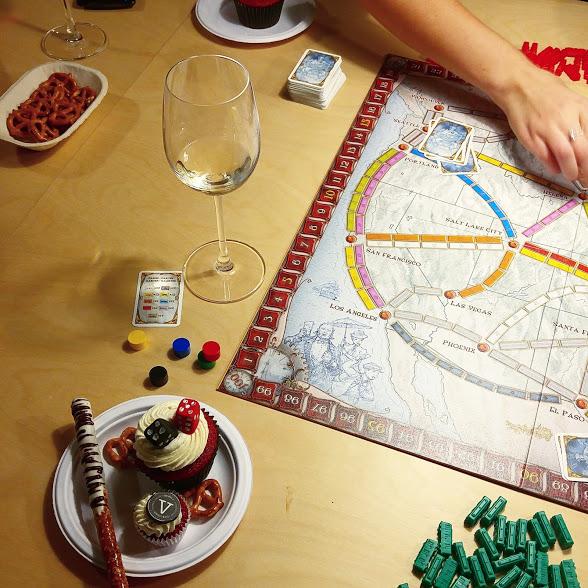 Soirée de jeux: Comment pimper votre soirée de jeux avec Asmodee et les nouvelles bouchées Flamingo.
