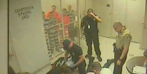Prisioneros se convierten en héroes al escapar para salvar al carcelero en Texas